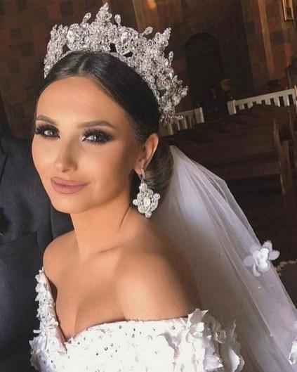 70 Elegant Bridal Crown Wedding Ideas 69