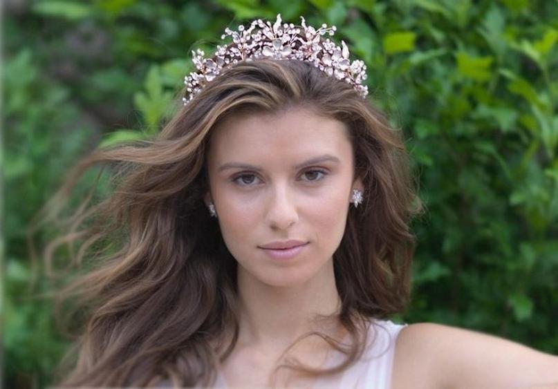 70 Elegant Bridal Crown Wedding Ideas 76
