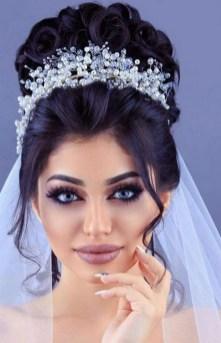 70 Elegant Bridal Crown Wedding Ideas 8