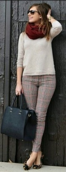 75 How to Wear Sweater for Working Women 06