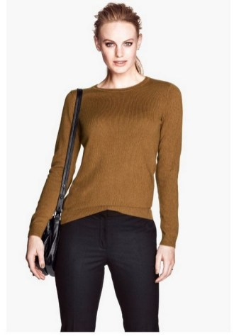 75 How to Wear Sweater for Working Women 18