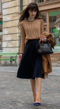75 How to Wear Sweater for Working Women 55