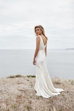80 Adorable V Shape Back Wedding Dresses You Need to See 14
