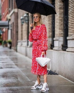 80 Stylish and Comfy Dress and Sneakers Outfit Look 56
