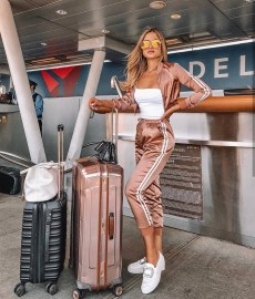 90 Comfy and Fashionable Travel Airport Outfits Looks 1