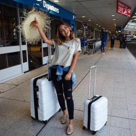90 Comfy and Fashionable Travel Airport Outfits Looks 18