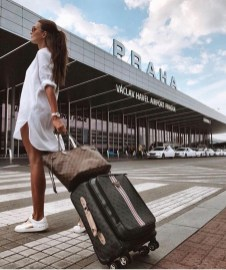 90 Comfy and Fashionable Travel Airport Outfits Looks 3