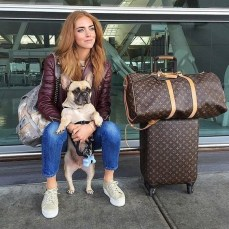 90 Comfy and Fashionable Travel Airport Outfits Looks 32