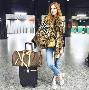 90 Comfy and Fashionable Travel Airport Outfits Looks 35