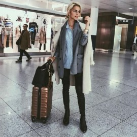 90 Comfy and Fashionable Travel Airport Outfits Looks 58