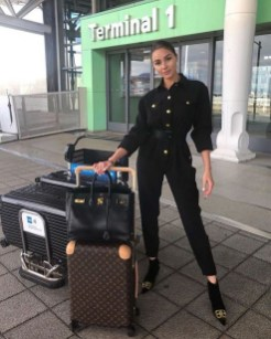 90 Comfy and Fashionable Travel Airport Outfits Looks 67