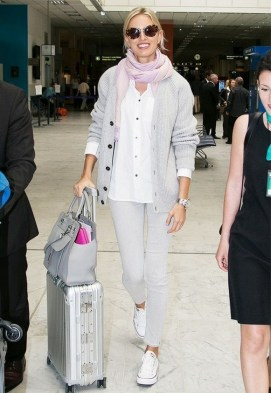 90 Comfy and Fashionable Travel Airport Outfits Looks 69