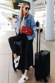 90 Comfy and Fashionable Travel Airport Outfits Looks 77
