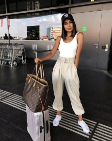 90 Comfy and Fashionable Travel Airport Outfits Looks 87