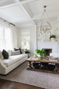 40 Comfy and Luxurious Living Room You Need to See 43