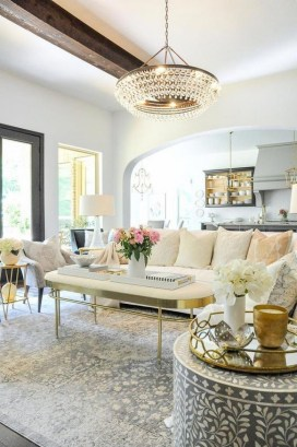 40 Comfy and Luxurious Living Room You Need to See 46