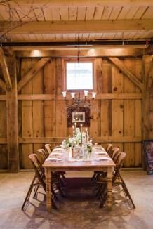 40 Romantic Rustic Barn Wedding Decoration Ideas 06