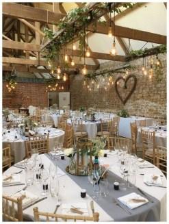 40 Romantic Rustic Barn Wedding Decoration Ideas 11