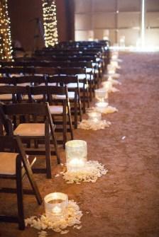 40 Romantic Rustic Barn Wedding Decoration Ideas 30