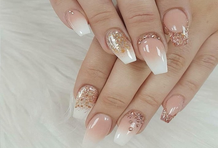 50 Acrylic Nails Ideas with Glitter Which You Love 16