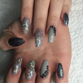 50 Acrylic Nails Ideas with Glitter Which You Love 33