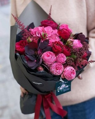 50 Romantic Valentines Flowers You Need to See 42