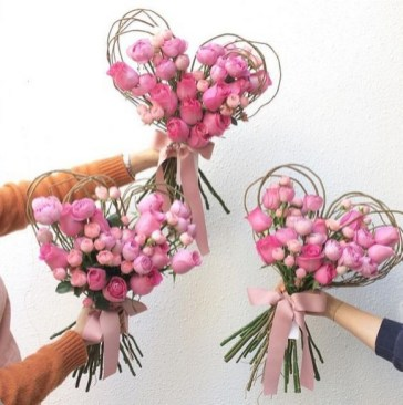 50 Romantic Valentines Flowers You Need to See 44