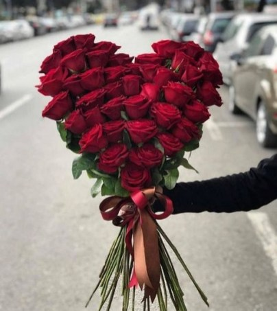 50 Romantic Valentines Flowers You Need to See 55