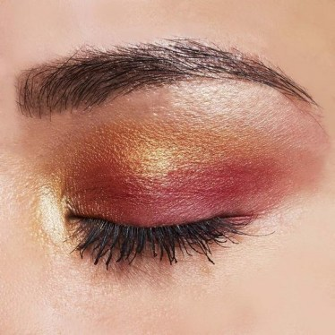50 Shimmering Eye Makeup for Party Ideas 11