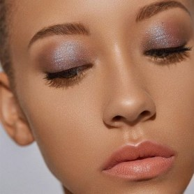 50 Shimmering Eye Makeup for Party Ideas 37