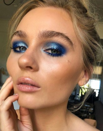 50 Shimmering Eye Makeup for Party Ideas 42