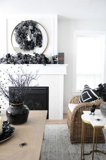 60 Nice Home Decor to Make Your House Stand Out This Halloween 23