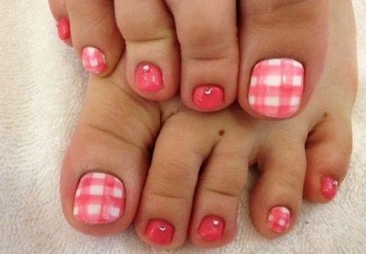 50 Ideas lovely Pink Toe Nail Art for Valentines Day 15