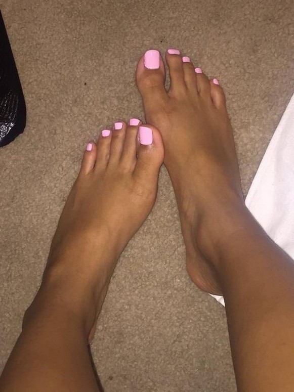50 Ideas lovely Pink Toe Nail Art for Valentines Day 16