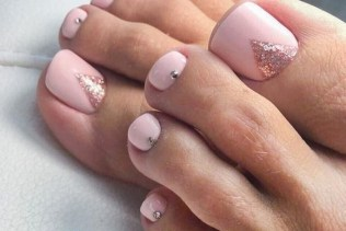 50 Ideas lovely Pink Toe Nail Art for Valentines Day 34