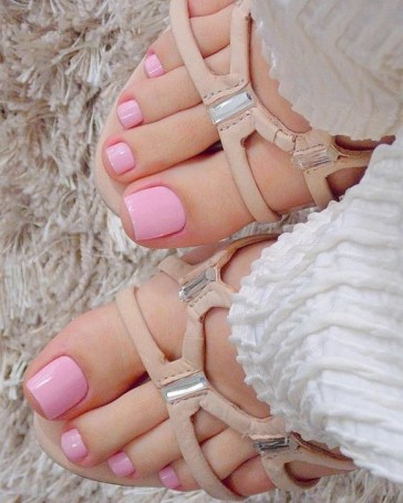 50 Ideas lovely Pink Toe Nail Art for Valentines Day 38