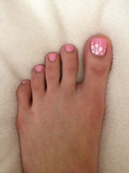 50 Ideas lovely Pink Toe Nail Art for Valentines Day 41