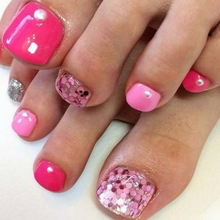 50 Ideas lovely Pink Toe Nail Art for Valentines Day 45