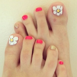 50 Ideas lovely Pink Toe Nail Art for Valentines Day 58
