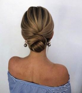 50 Stunning Classy Clean Bun Hairstyles Ideas 09