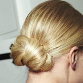 50 Stunning Classy Clean Bun Hairstyles Ideas 20