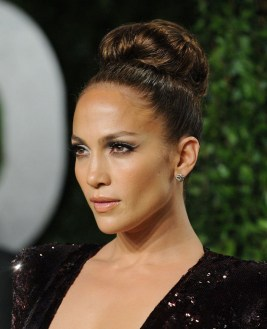50 Stunning Classy Clean Bun Hairstyles Ideas 57