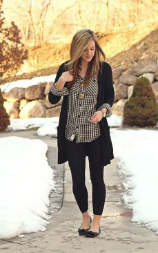 60 Stylish Cardigan Outfit Inspiration for Work 05