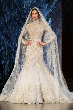 60 Victorian Styles Neckline for Wedding Dress Ideas 07
