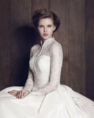 60 Victorian Styles Neckline for Wedding Dress Ideas 41