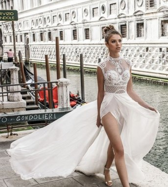 60 Victorian Styles Neckline for Wedding Dress Ideas 55