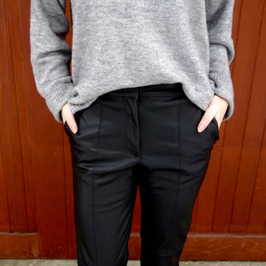 leather-pants-h&m-sweater-mules