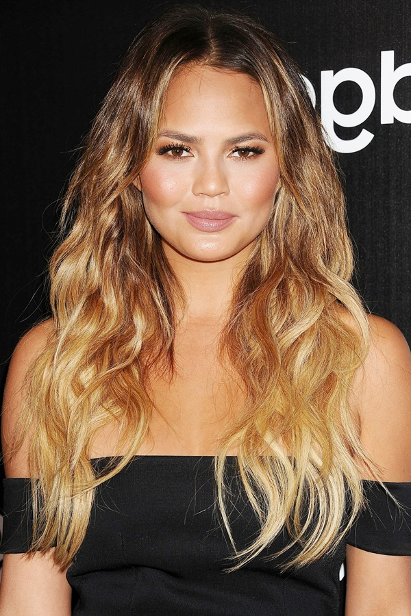 Stylish Hairstyles For Wavy Hair