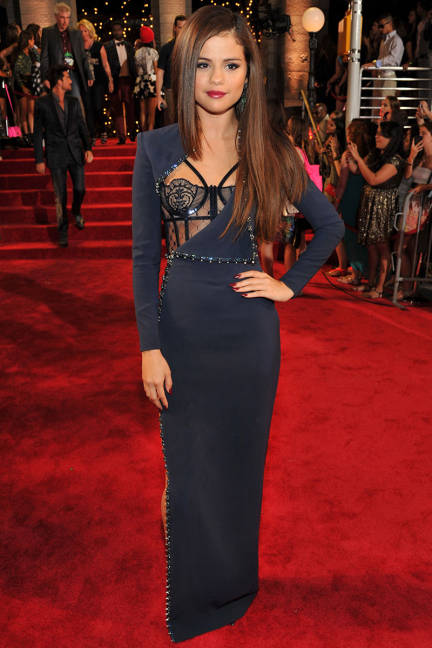 elle-mtv-movie-awards-selena-gomez-xln-lgn