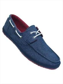 Get these fresh kicks at Markhams for R350